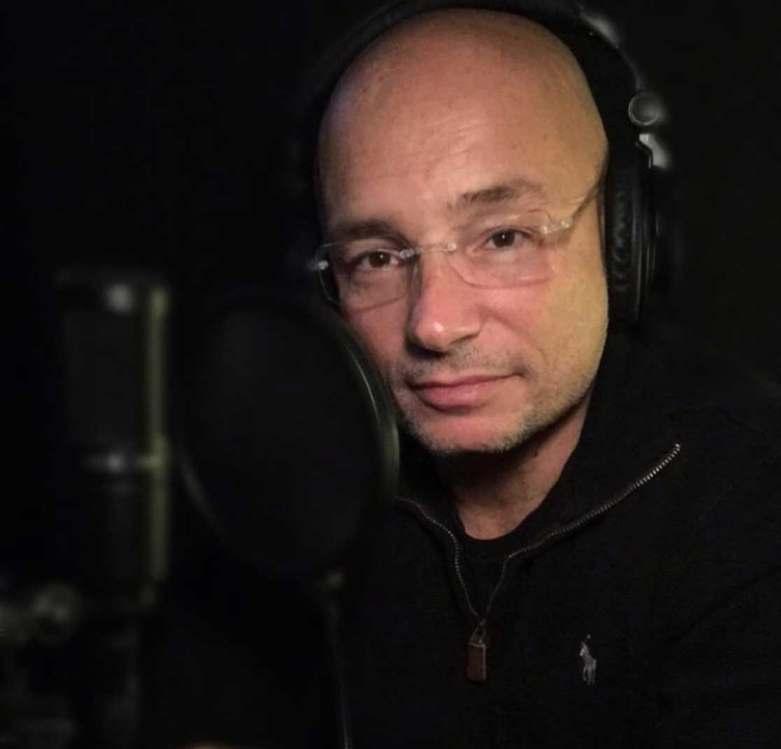 Anthony Melchiorri recording a podcast